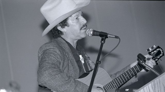 Kinky Friedman at SXSW 1990. Photo by Martha Grenon.