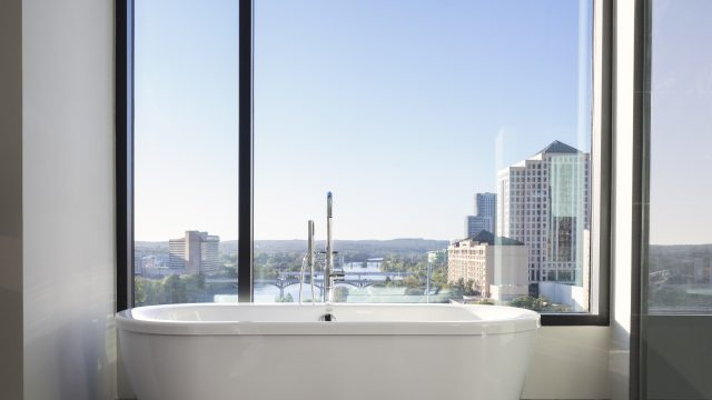 King Spa Suite - Austin Skyline