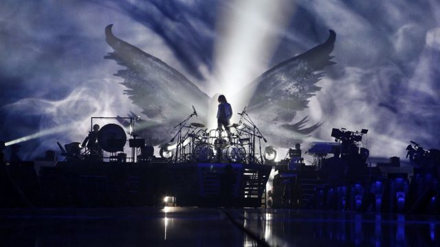we_are_x_yoshiki_drumswings