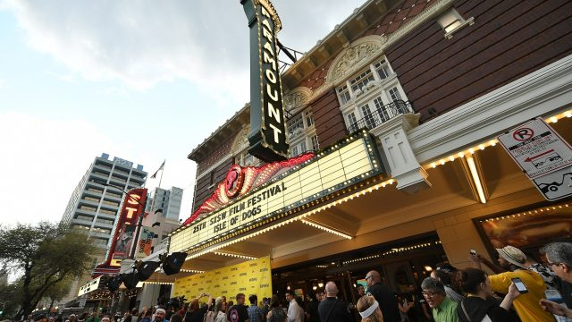 "AUSTIN, TX - MARCH 17: General view of the ""Isle of Dogs"" marquis at the premiere during the 2018 SXSW Conference and Festivals at Paramount Theatre on March 17, 2018 in Austin, Texas. (Photo by Michael Loccisano/Getty Images for SXSW)"