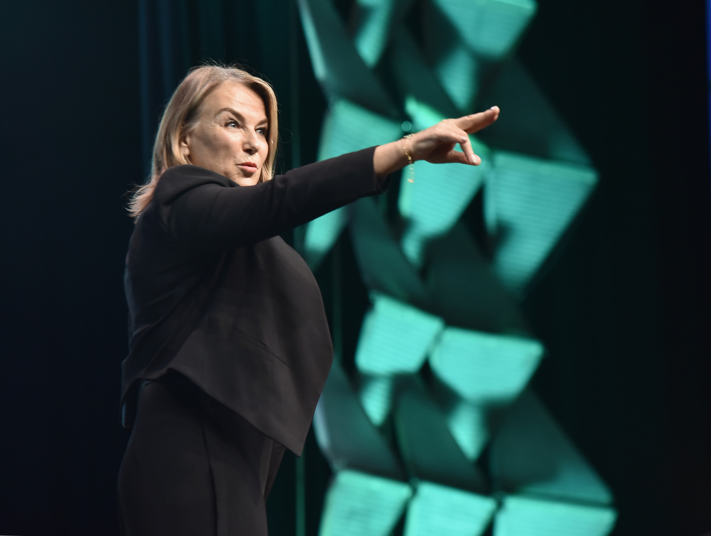 Esther Perel is applying her extensive knowledge of relationships to help us master the art of modern leadership. Watch the Featured Session.