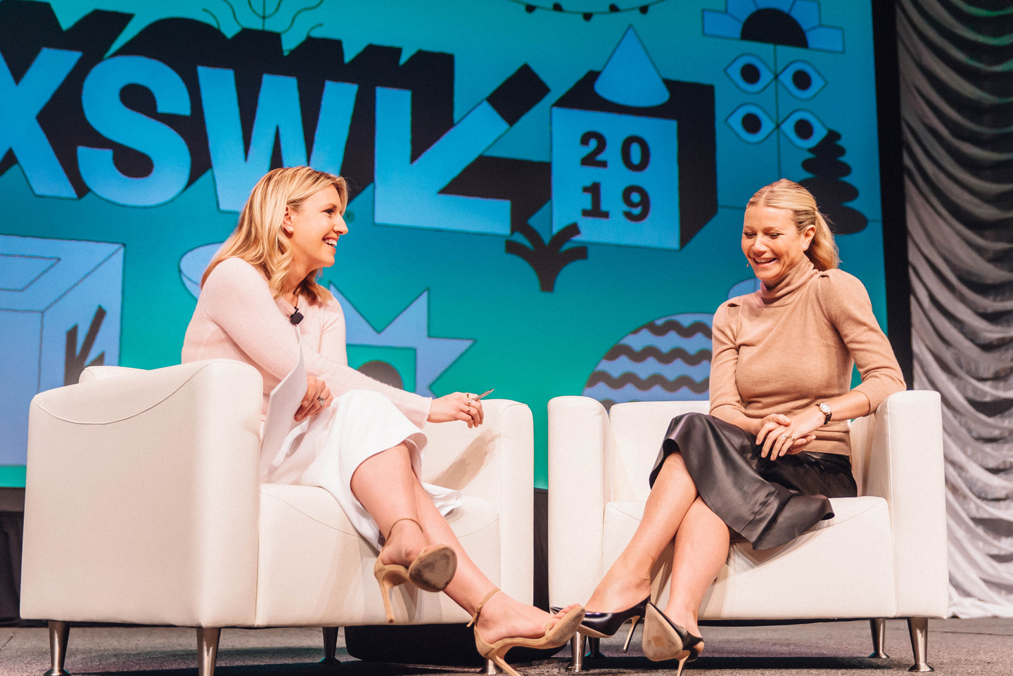 Poppy Harlow and Gwyneth Paltrow at their Featured Session - Photo by Jordan Hefler