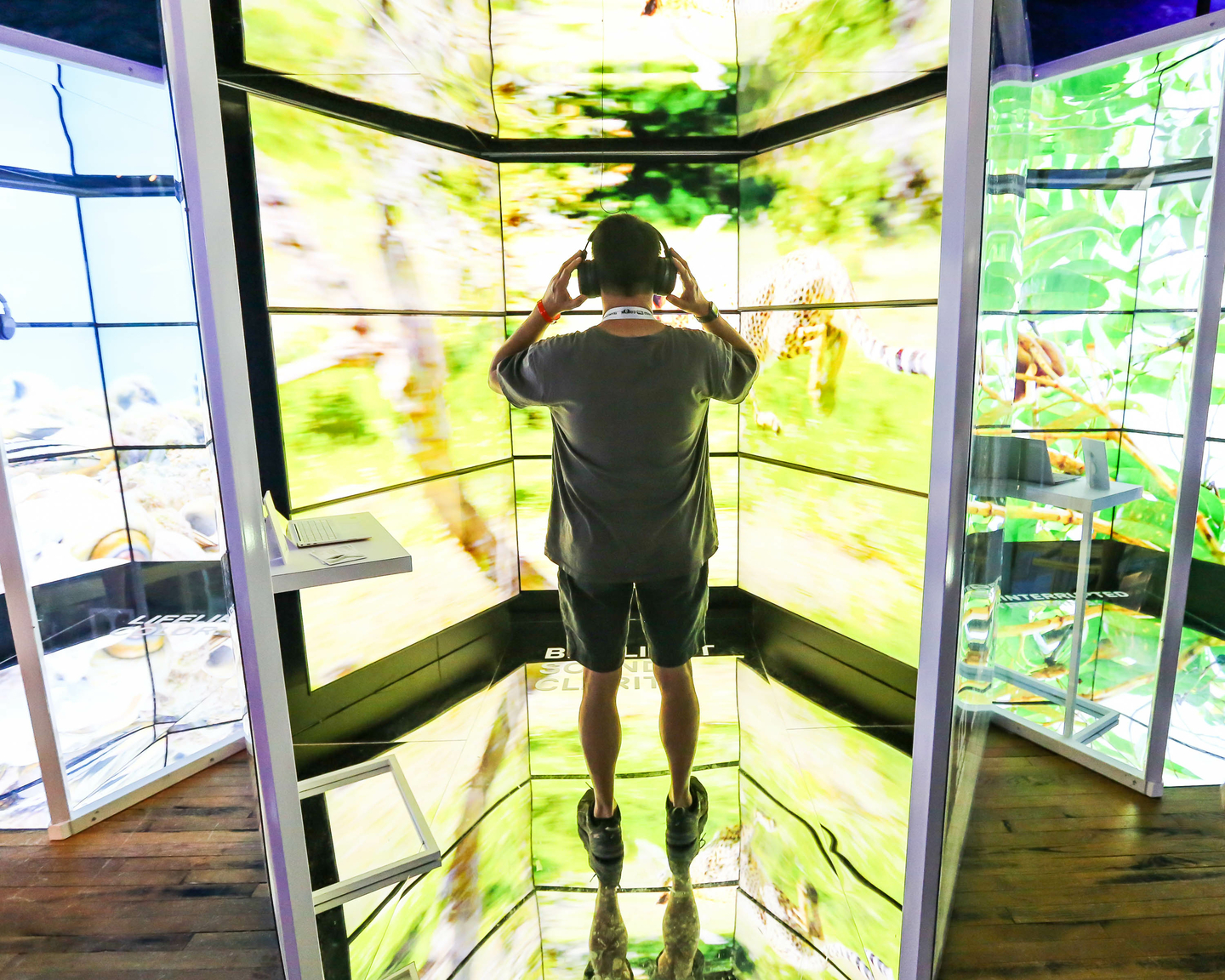THE EXPERIENCE by Dell Technologies brings you innovative tech, the latest in gaming and revolutionary ways people are transforming the ways we create, work and play. Photo by Diego Donamaria