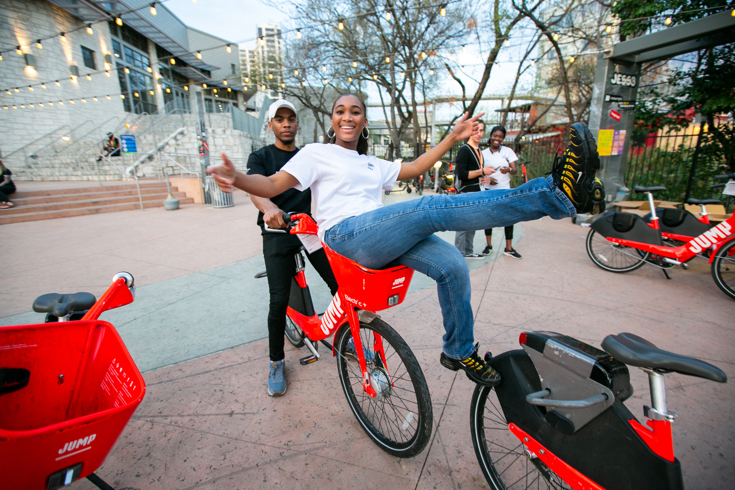 JUMP is one of the fastest ways to get around SXSW – with exclusive pickup and dropoff areas for JUMP electric bikes and scooters around the Austin Convention Center, available directly through your Uber app. Photo by Waytao Shing