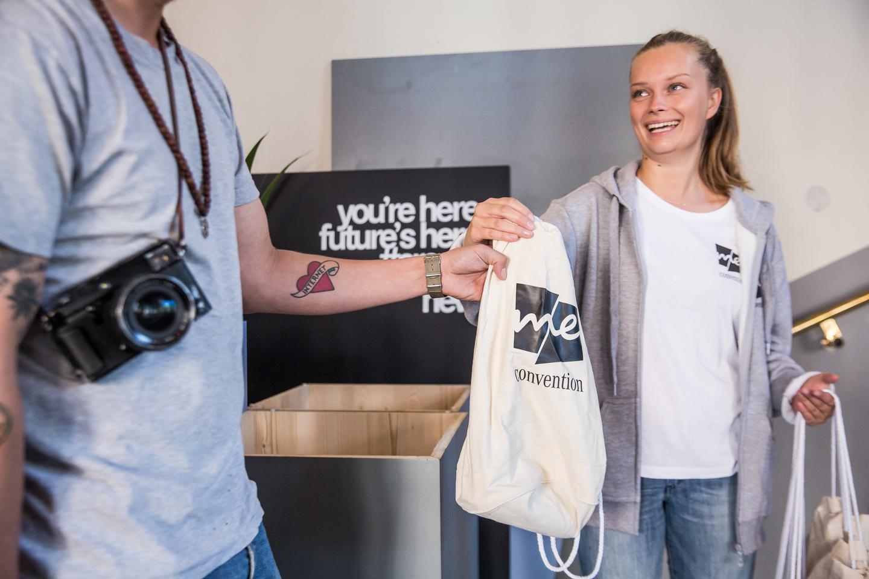 Big bag handout. Photo by Markus Nass/Daimler AG
