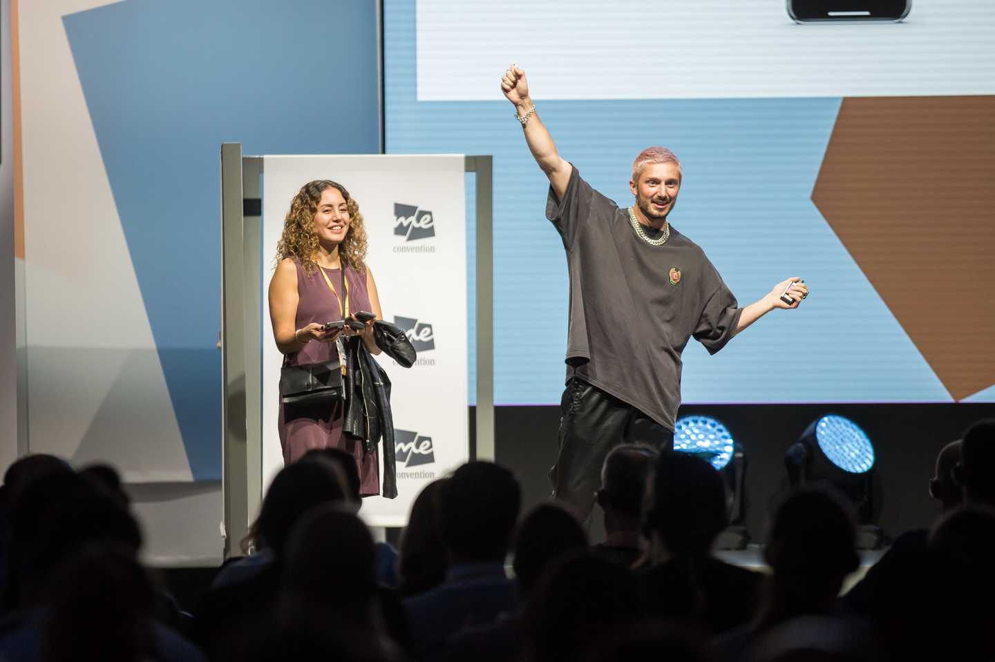 Tech magician Tom London dazzled the crowd. Photo by Markus Nass/Daimler AG