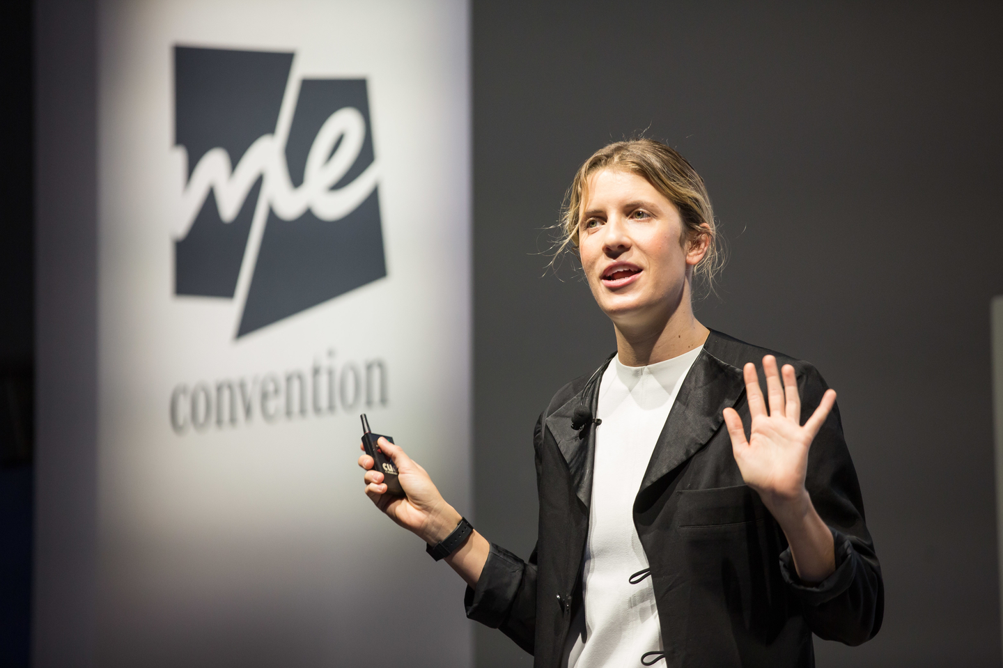 Musician and author Claire Evans gives a solo talk. Photo by Markus Nass/Daimler AG