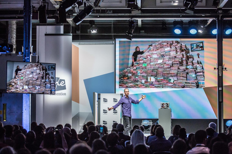Frank Warren, Founder of PostSecret, during his solo presentation. Photo by Markus Nass/Daimler AG
