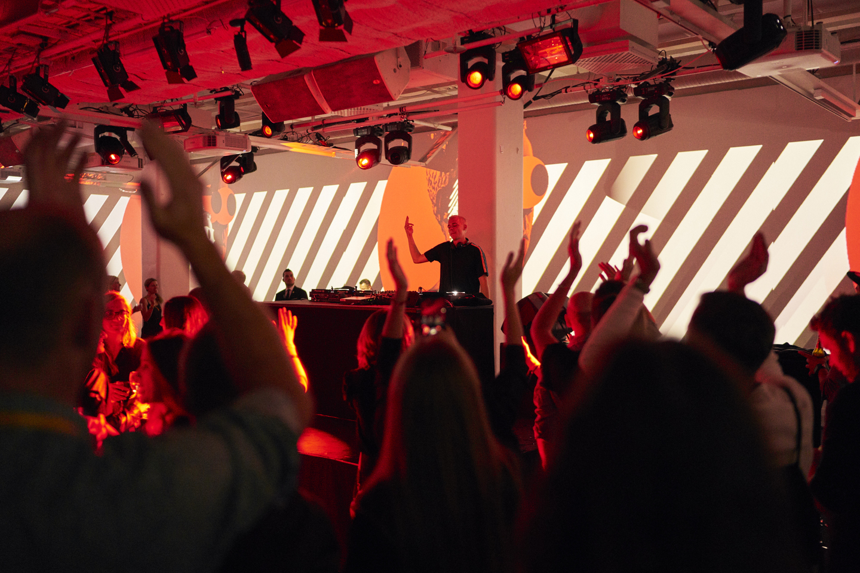 Felix Jaehn headlined the opening party. Photo by Richard Pflaume/Daimler AG