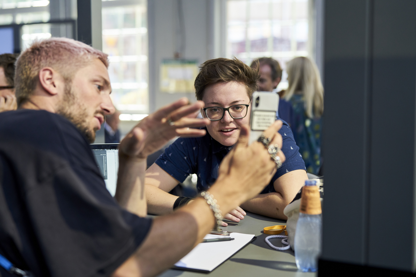 Tom London offered personal mentor sessions to lucky attendees. Photo by Richard Pflaume/Daimler AG