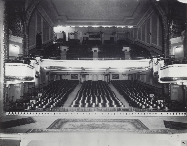 Majestic interior in 1915